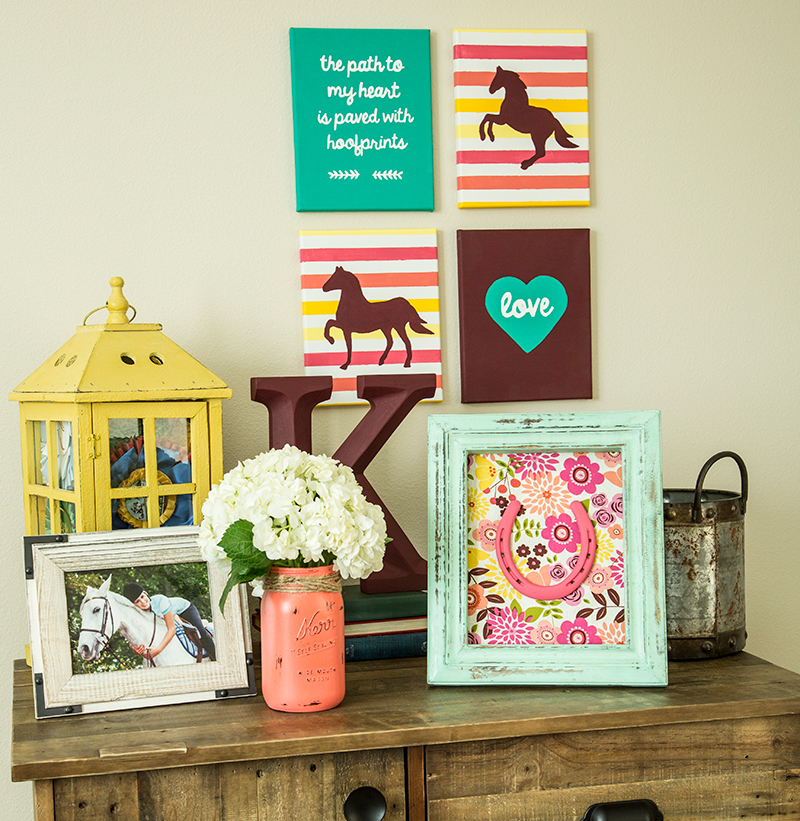 Horse Stencils For Barn-Inspired Bedroom Décor