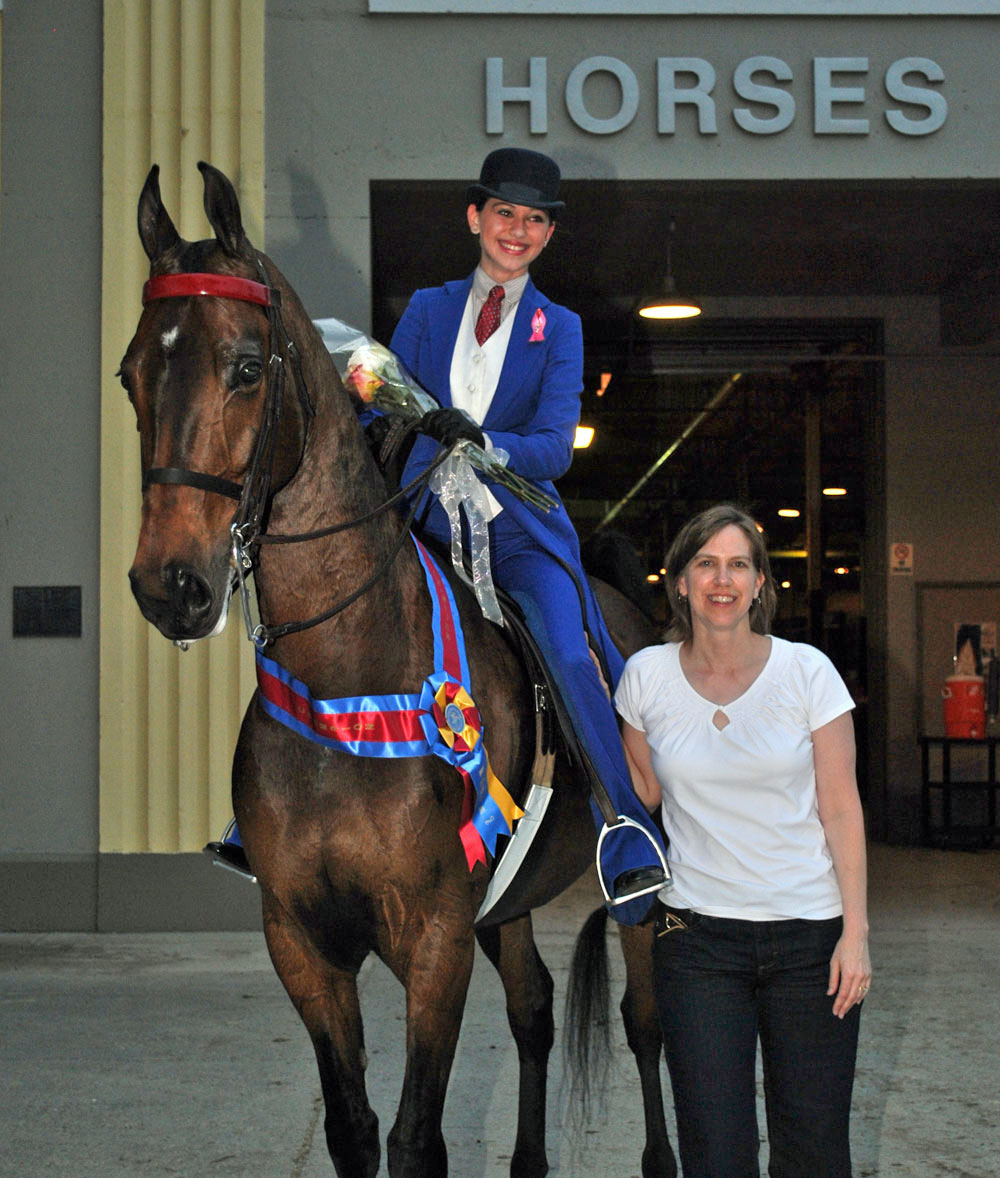 Lynette and Ellen with Leader at a Horse Show