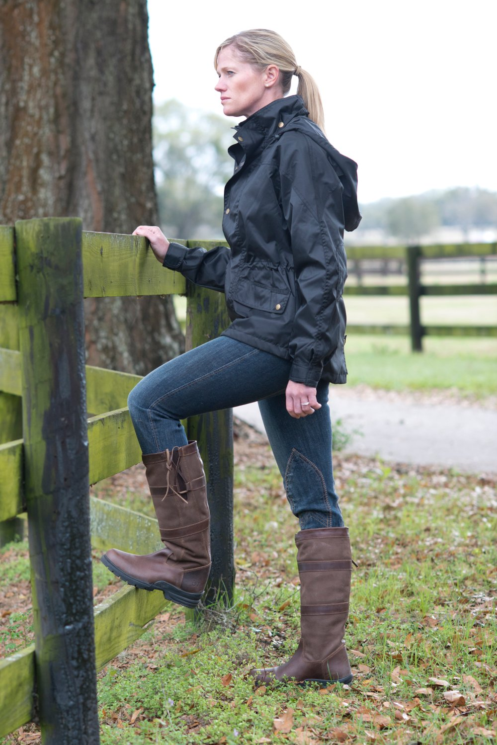 Sinead Halpin wearing Ovation Country Boots