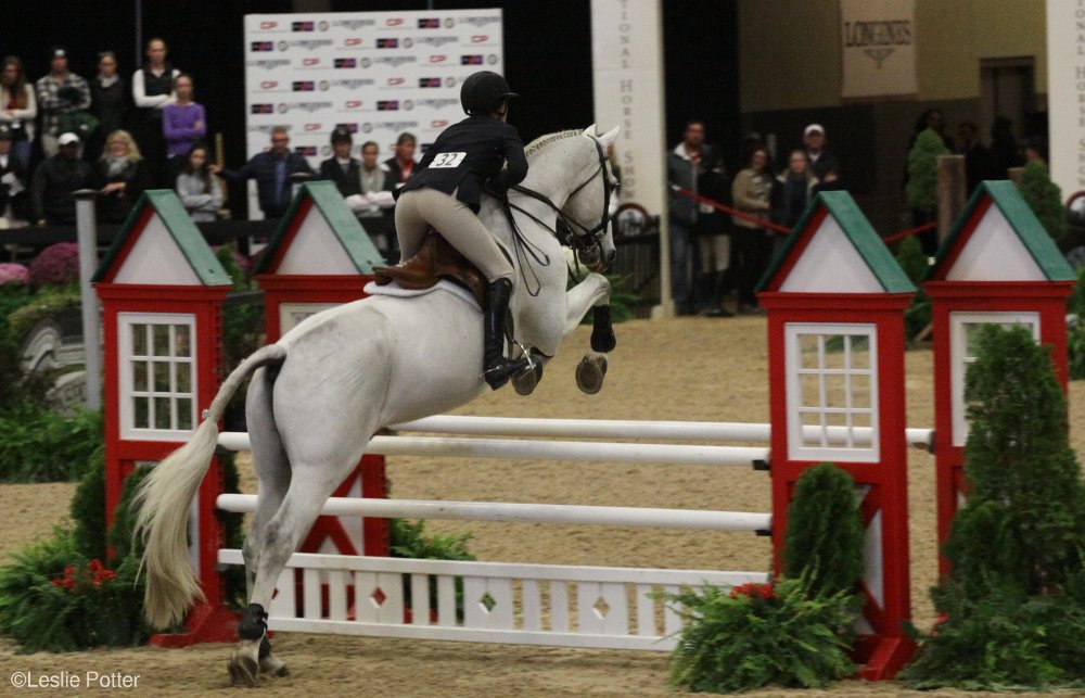 Sophie Simpson and Breckenridge at the 2016 Maclay Finals