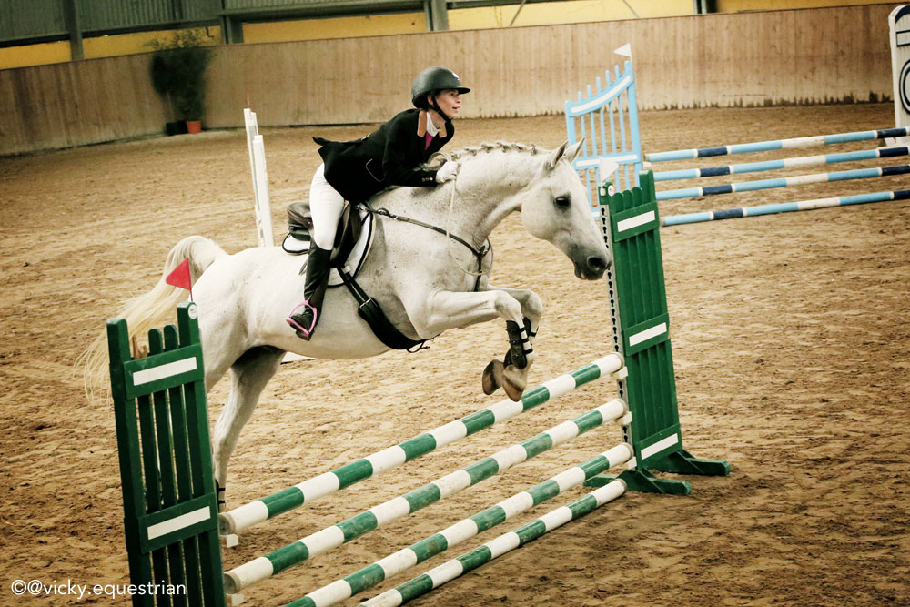 Kasia and Sławny competing at the International Bridleless Championships