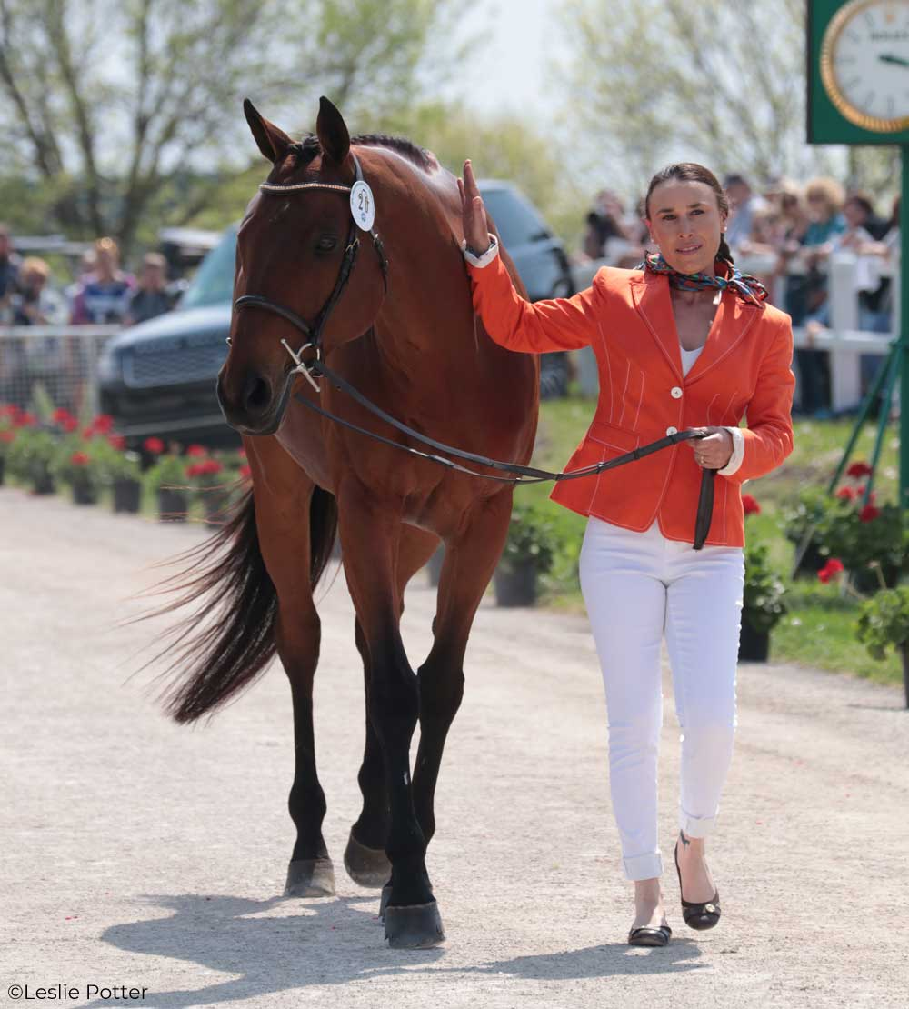 Daniela Moguel (MEX) and Cecelia, a Thoroughbred mare.
