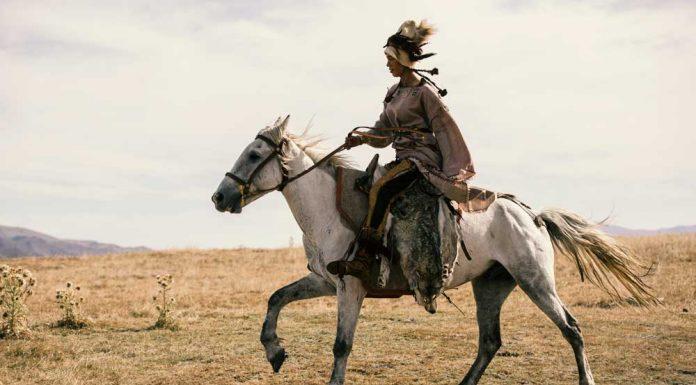 Woman Yamnaya rider in profile