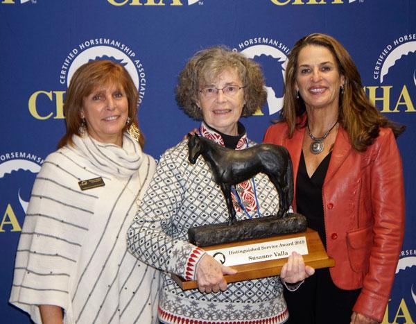 Distinguished Service Award Susanne Valla
