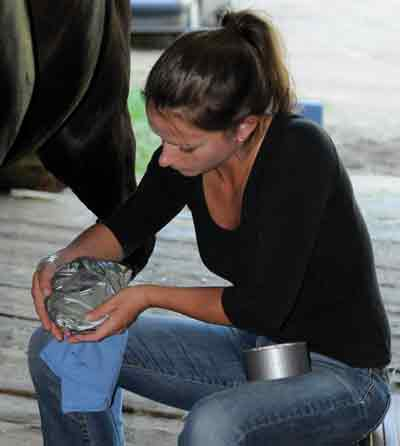 Hoof Poultice for a Hoof Abscess