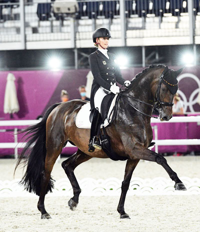 Jessica von Bredow-Werndl and TSF Dalera in the Grand Prix Special at the Tokyo Olympics.