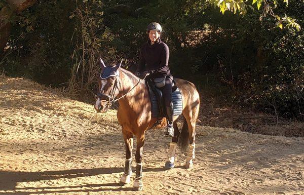 Amélie Bellefille and her Mustang, Kara